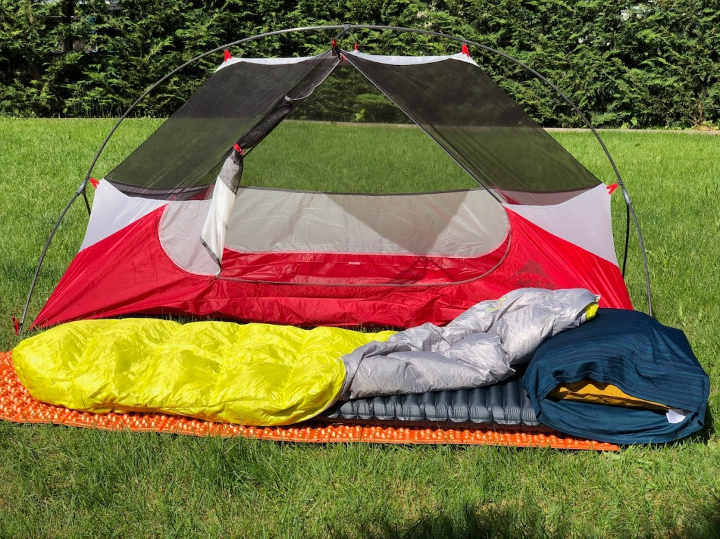 inflatable-pillow-for-the-tent